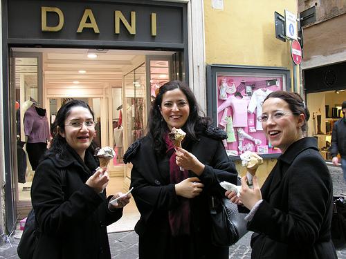 Un viaggio ideale attraverso i quartieri romani -  La sera a Roma