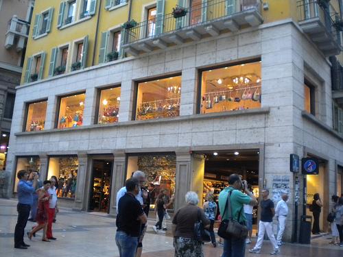 Viaggi Verona - piccoli negozi