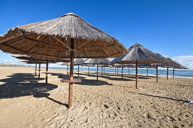 Agenzie di viaggi e pacchetti vacanza Sassari - Spedizioni