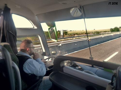 Autobus  Bari-Trasporto disabili e anziani Bari.jpg